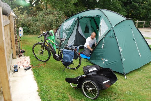 Travelling by e-bike allows a big tent